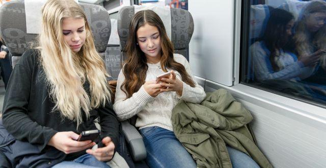 Tonåringar på tåg.  Kallestad, Gorm / TT NYHETSBYRÅN