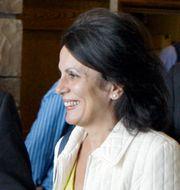 Arkivbild: Carmen Reinhart tillsammans med George Kopits, ordförande för Ungerns finansråd.  Reed Saxon / TT NYHETSBYRÅN