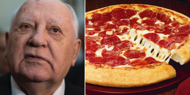 Michail Gorbatjov och en salamipizza.  TT/AP