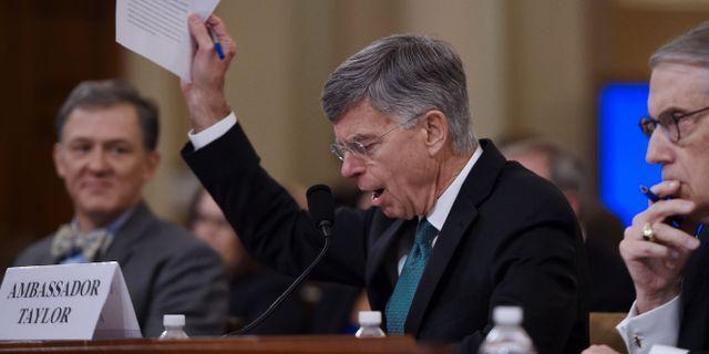 Diplomaten Bill Taylor vittnar inför kongressen. OLIVIER DOULIERY / AFP