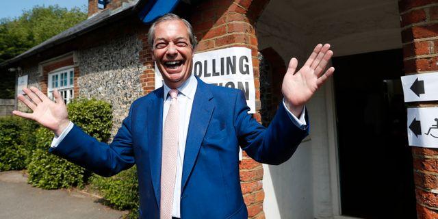 Nigel Farage i samband med att han röstade i EU-valet. Alastair Grant / TT NYHETSBYRÅN/ NTB Scanpix