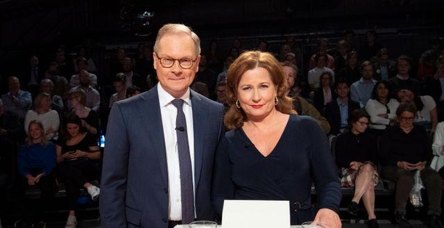 Välkända ansikten på SVT, programledarna Anna Hedenmo och Mats Knutson.   Henrik Montgomery/TT / TT NYHETSBYRÅN