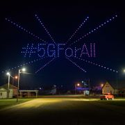 T-Mobile used 300 drones to light up the sky over Lisbon, ND on Sunday, Aug. 2, 2020, celebrating the expansion of its 5G network to hundreds of small towns across America. Dan Koeck / TT NYHETSBYRÅN