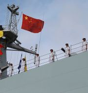 Soldater på ett kinesiskt fartyg på väg till Djibouti.  CHINA STRINGER NETWORK / TT NYHETSBYRÅN