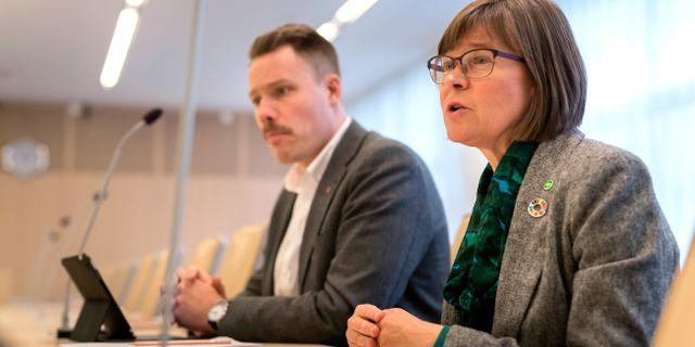 Daniel Bermar (V) och Karin Pleijel (MP). Thomas Johansson/TT / TT NYHETSBYRÅN
