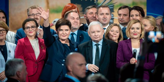 PiS-ledarenJaroslaw Kaczynski i mitten.  WOJTEK RADWANSKI / AFP