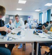 Självtester i klassrummet på Apalløkka skolan i Oslo.  Stian Lysberg Solum / TT NYHETSBYRÅN