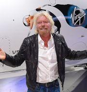 Richard Branson och Jeff Bezos.  Patrick Semansky, Mark J. Terrill / TT NYHETSBYRÅN