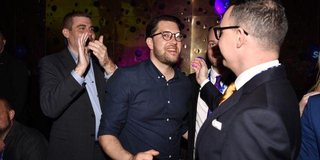 Partiledare Jimmie Åkesson jublar då preliminärt valresultat presenterats. Arkivbild. Anders Wiklund/TT / TT NYHETSBYRÅN
