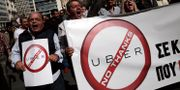 Taxi- och tågchaufförer protesterade i Aten på tisdagen. ALKIS KONSTANTINIDIS / TT NYHETSBYRÅN