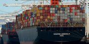 Ett Mærks-fartyg lossas i kaliforniska Oakland.  Ben Margot / TT NYHETSBYRÅN