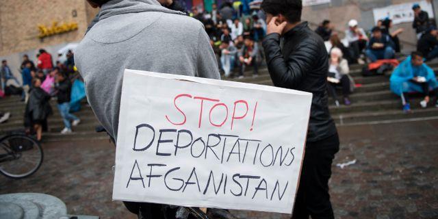 Arkivbild: Ensamkommande asylsökande och nätverket Ung i Sverige manifesterade i höstas på Medborgarplatsen för att stoppa utvisningarna till Afghanistan. Henrik Montgomery/TT / TT NYHETSBYRÅN