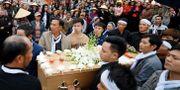 Begravning i Nghe An-provinsen för två av lastbilsoffren. KHAM / TT NYHETSBYRÅN