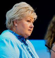 Erna Solberg (t.v) Terje Pedersen / TT NYHETSBYRÅN