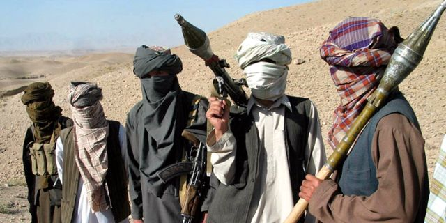 Arkivbild på personer som utger sig för att tillhöra talibanerna. ALLAUDDIN KHAN / TT NYHETSBYRÅN