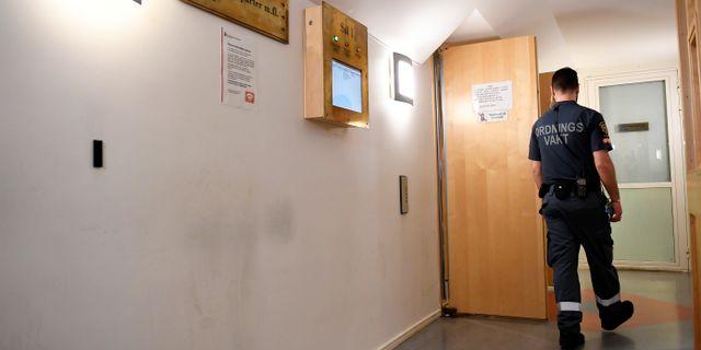 Rättegången sker i säkerhetssalen i Stockholms tingsrätt. Pontus Lundahl/TT / TT NYHETSBYRÅN