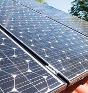 Illustrationsbild: Solceller på ett villatak. Fredrik Sandberg/TT / TT NYHETSBYRÅN