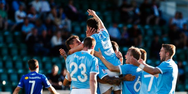 Malmö firar 1–0-målet. Therése Ny/TT / TT NYHETSBYRÅN