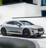 Jaguar I-PACE är berättigad till en miljöbilspremie på 60 000 kronor.  Jaguar