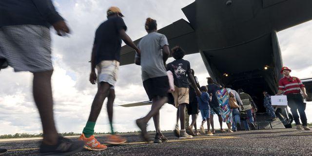 Invånare evakueras från området längs Australiens norra kust inför Trevors ankomst.  CPL TRISTAN KENNEDY / AUSTRALIAN DEPARTMENT OF DEFENCE