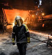 Arbete inne i Masugn 4 på SSAB i Oxelösund.  Foto: Anders Wiklund / TT