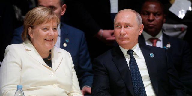 Arkivbild: Angela Merkel och den ryske presidenten Vladimir Putin. Mikhail Metzel / TT NYHETSBYRÅN