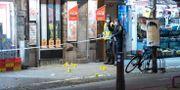 Polisen undersöker platsen där skjutningen inträffade i november ifjol.  Johan Nilsson/TT / TT NYHETSBYRÅN