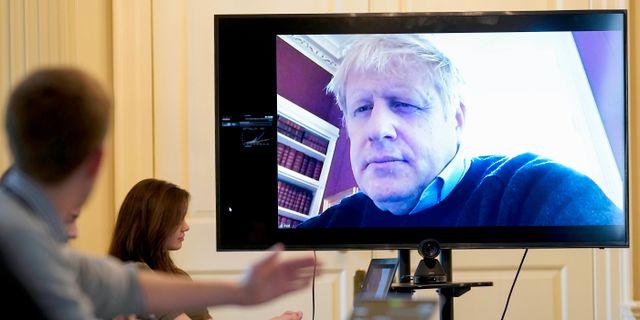 Boris Johnson fortsätter att leda regeringen från karantänen Andrew Parsons10 Downing Street / TT NYHETSBYRÅN