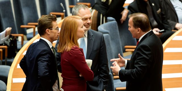 Ulf Kristersson (M), Annie Lööf (C) och Jan Björklund (L) i samtal med Stefan Löfven (S). Henrik Montgomery/TT / TT NYHETSBYRÅN