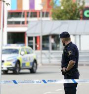 Polis vid platsen för skottlossningen  Johan Nilsson/TT / TT NYHETSBYRÅN