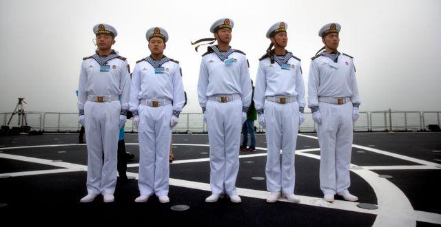 Kinesiska flottister under en övning i april. Mark Schiefelbein / TT NYHETSBYRÅN/ NTB Scanpix
