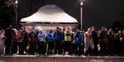 Väntande människor på väg från Holmenkollen efter världscupen. Bøe, Torstein / TT NYHETSBYRÅN