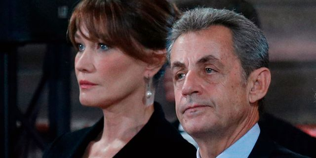 Nikolas Sarkozy med frun Carla Bruni-Sarkozy. FRANCOIS MORI / POOL