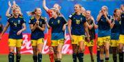 Linda Sembrant, Hanna Glas, Magdalena Eriksson, Mimmi Larsson, Fridolina Rolfö och Olivia Schough firar segern mot Tyskland. SIMON HASTEGÅRD / BILDBYRÅN