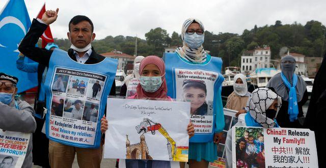 Illustrationsbild. Uigurer protesterar utanför det kinesiska konsulatet i Istanbul.  Mehmet Guzel / TT NYHETSBYRÅN
