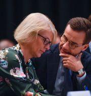 Moderaternas Elisabeth Svantesson och Ulf Kristersson. Pontus Lundahl/TT / TT NYHETSBYRÅN