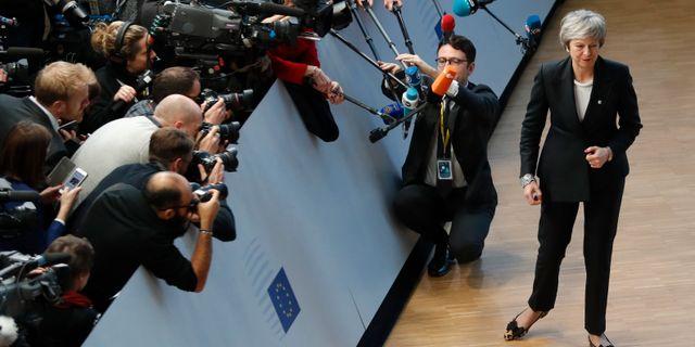 Theresa May på väg in till EU-toppmötet.  Alastair Grant / TT NYHETSBYRÅN/ NTB Scanpix