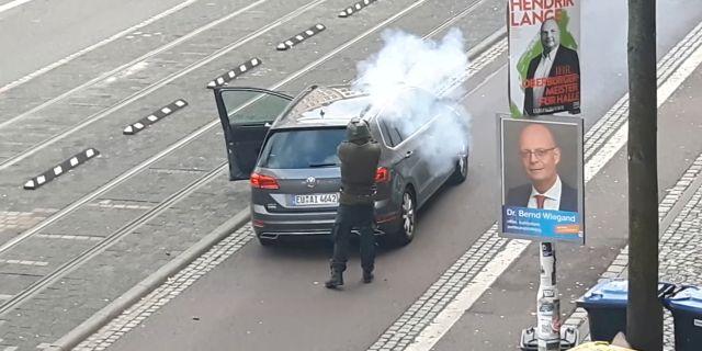 Gärningsmannen i Halle.  REUTERS TV / TT NYHETSBYRÅN