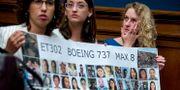 Vänner till Samya Rose Stumo som var ett av offren i Ethiopian Airlines-kraschen i mars i år.  Andrew Harnik / TT NYHETSBYRÅN/ NTB Scanpix