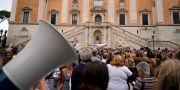 Roms invånare demonstrerar. Andrew Medichini / TT NYHETSBYRÅN/ NTB Scanpix