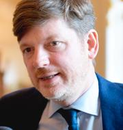Nooshi Dadgostar (V), Martin Ådahl (C) TT