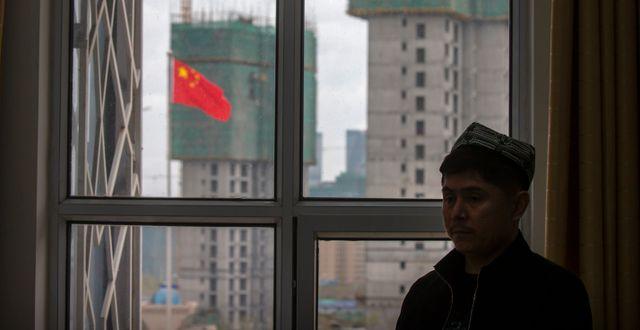 En lärare för uigurer i Xinjiangprovinsen. Bilden togs under, ett av Kina, arrangerat besök för journalister i provinsen.  Mark Schiefelbein / TT NYHETSBYRÅN