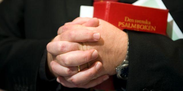 Illustrationsbild. Präst med psalmbok.  Lars Pehrson / SvD / TT / TT NYHETSBYRÅN
