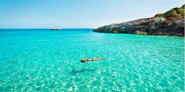Just nu går det att hitta riktiga fynd till bland annat Mallorca, som är sommarens populäraste resmål. Istock