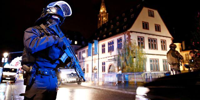 Säkerhetsstyrkor i Strasbourg. CHRISTIAN HARTMANN / TT NYHETSBYRÅN