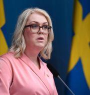 Socialminister Lena Hallengren (S). Erik Simander / TT / TT NYHETSBYRÅN