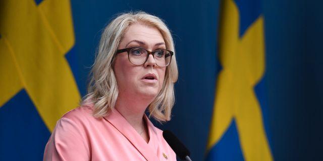 Socialminister Lena Hallengren (S)  Erik Simander / TT / TT NYHETSBYRÅN