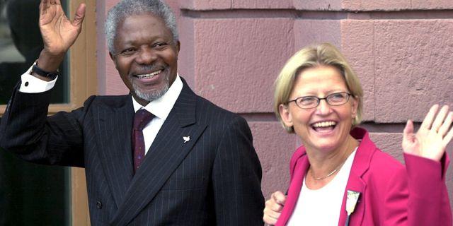 Med utrikesminister Anna Lindh under ett Sverigebesök, 2001 Björn Larsson Ask/SCANPIX / Svenska Dagbladet