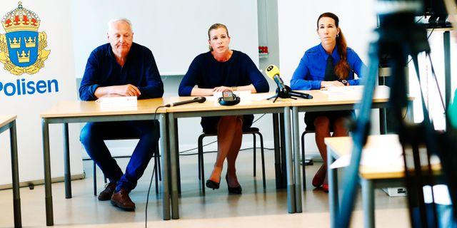 Kriminalkommissarie Johan Frisk, kammaråklagare Heléne Thomasson, och förundersökningsledare Linda Schön. Thomas Johansson/TT / TT NYHETSBYRÅN