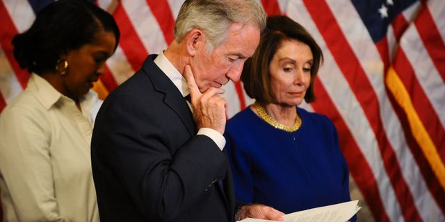 Representanthusets talman Nancy Pelosi (höger). MARY F. CALVERT / TT NYHETSBYRÅN